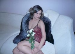 Женщина из Новоросийска, ищу женатого любовника для тайных встреч.
