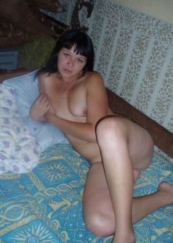 Похотливая девушка ищет горячего мужчину для секса в Новороссийске